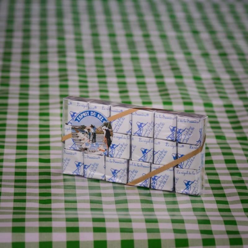 https://boutique.tout-du-cru.fr/537-large_default/caramels-fleur-de-sel-et-pineau.jpg